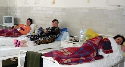 Foto: Endocrinologii îşi tratează pacienţii în condiţii mizere