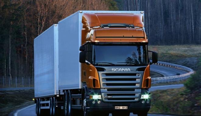 Foto: Ocazie unică pentru şoferii de TIR.  Salariu de 2.000 de euro, plus bonusuri, în vestul Europei