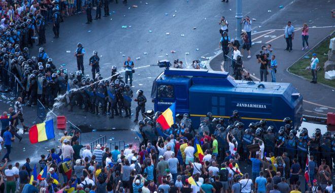 """Foto: Diaspora, răstignită de PSD. """"Tentativă de lovitură de stat, cu finanţare din străinătate!"""" Cine i-a plătit pe manifestanţi?"""