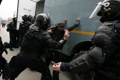 Foto: CONSTANȚA/ PERCHEZIŢII la persoane suspectate de furt din societăți comerciale
