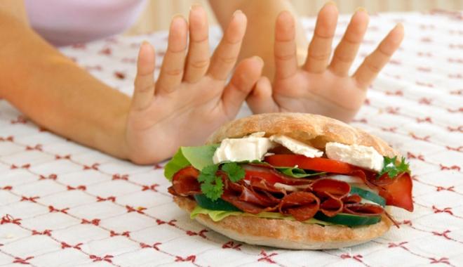 Foto: Alimente permise şi nepermise  în dieta fără carbohidraţi