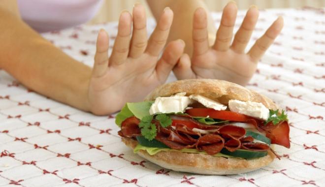 Foto: Ce păţeşte creierul nostru atunci când avem o dietă săracă în carbohidraţi?