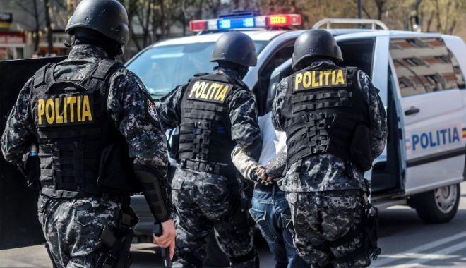 Foto: PERCHEZIŢII LA CONSTANŢA, LA PERSOANE BĂNUITE DE INFRACȚIUNI DE CRIMINALITATE ORGANIZATĂ