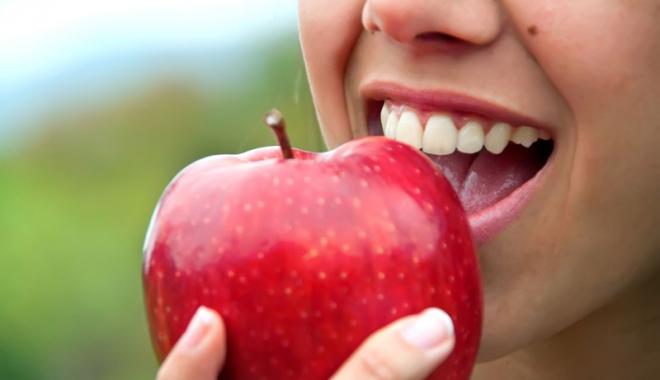 Foto: Pentru o dantură sănătoasă,  reglaţi-vă dieta!