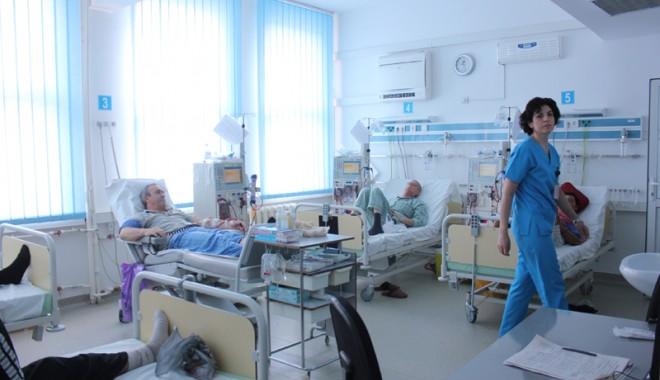 Foto: Diplomele asistenţilor medicali, recunoscute  şi în străinătate
