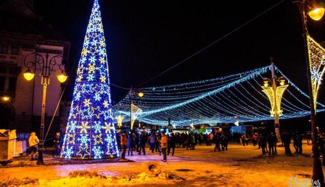 Diseară se închide Târgul de Crăciun din Piaţa Ovidiu - disearaseinchide-1544703398.jpg