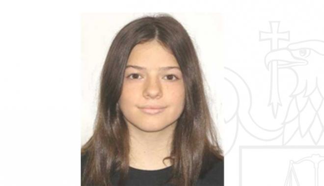 Foto: O fetiţă de 14 ani a dispărut de acasă. Este căutată în tot judeţul