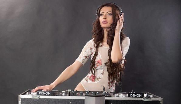 Ce cadou extravagant își dorește DJ Harra de ziua ei - djharratememaritisdivort6cf5c654-1391086753.jpg