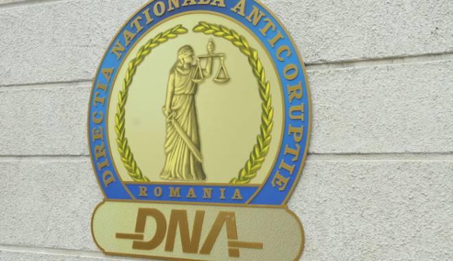 Foto: DNA REŢINE ÎNCĂ UN PRIMAR