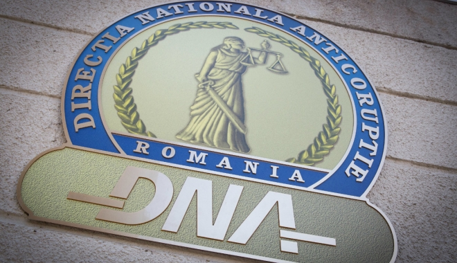 Foto: O parte din dosarul OUG 13 se reîntoarce la DNA