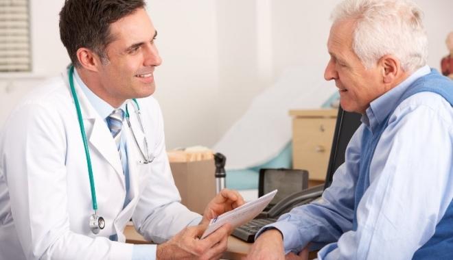 Medicii consultă din ce în ce mai mulţi pacienţi
