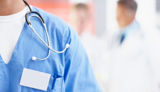Foto: Al șaselea medic fals descoperit. Reacția Ministerului Sănătății
