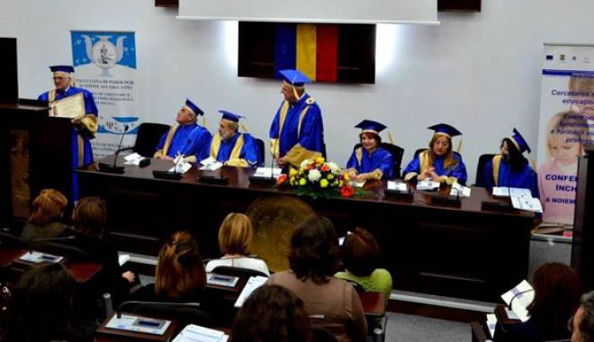 """Foto: Academician din Chişinău, Doctor Honorius Causa, la """"Ovidius"""""""