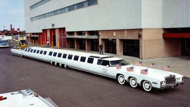 Foto: VIDEO. RECORD MONDIAL. Cum arată cea mai lungă maşină construită vreodată