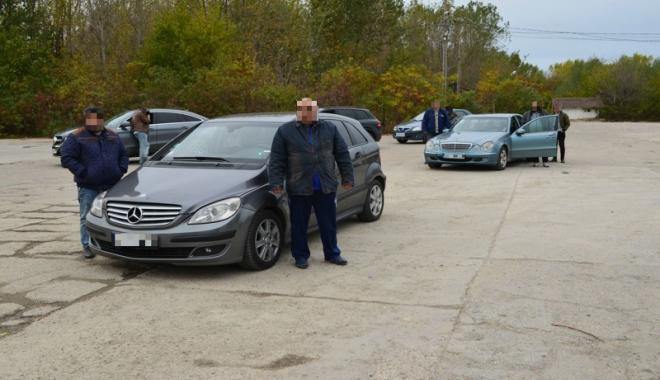 Foto: Doi bulgari, arestaţi  pentru trafic  de migranţi