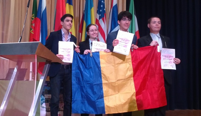 Foto: Doi mircişti fac cinste României