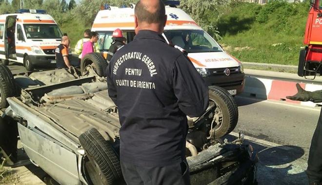 Doi şoferi au rămas încarceraţi după  un impact frontal în staţiunea Mamaia - doisoferi1-1495208596.jpg