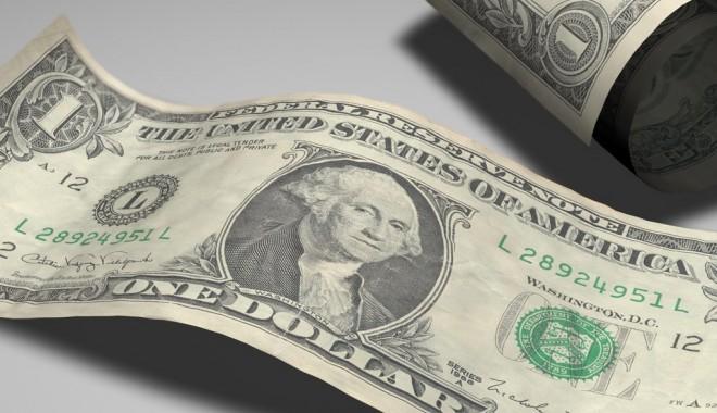 Leul câştigă în faţa dolarului - dolar-1346757383.jpg