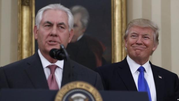 Foto: Trump l-a demis pe șeful diplomației SUA Rex Tillerson fără să-l anunțe. Va fi înlocuit de șeful CIA