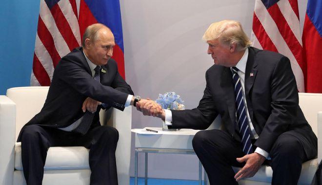 Foto: Donald Trump l-a felicitat pe Vladimir Putin după depunerea jurământului