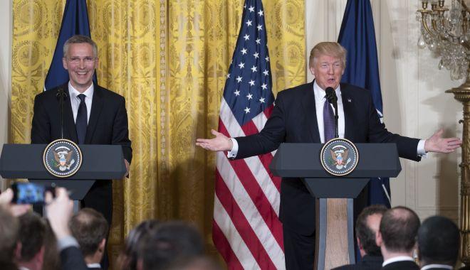Foto: Donald Trump îl va primi, joi, pe secretarul general al NATO