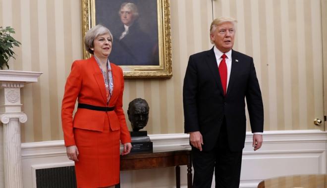 Foto: Donald Trump se va întâlni cu Theresa May, la Davos
