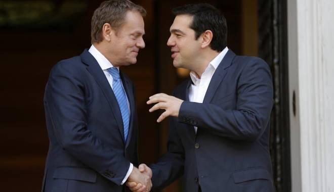 Foto: Controverse între Tusk și Tsipras pe tema închiderii rutei balcanice
