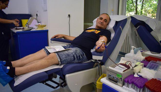 Foto: Acţiune de donare de sânge, la Topraisar