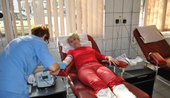 Foto: Donare de sânge  la Cernavodă.  Care sunt condiţiile,  pentru a fi  donator de sânge