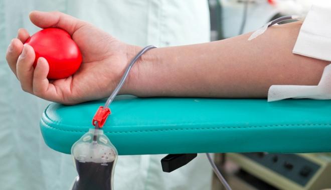 Foto: Vrei să donezi sânge dar programul nu-ţi permite? Sâmbăta aceasta poţi!