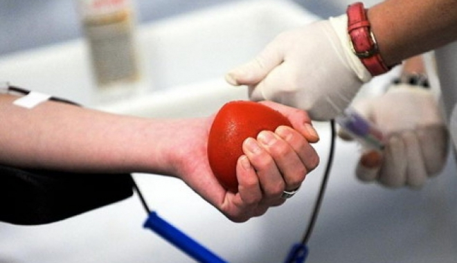 Foto: Donarea de sânge salvează vieţi! Toţi constănţenii şi turiştii, aşteptaţi să doneze sânge