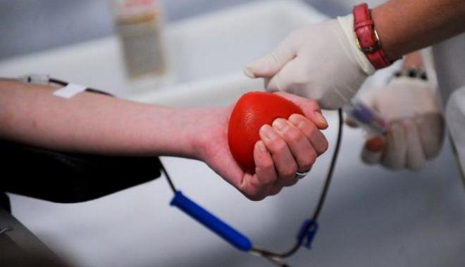 Foto: Constănțeni, donați sânge! Fiți eroi!