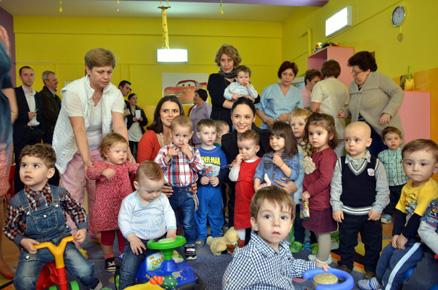 Foto: Donaţie pentru creşele din Constanţa