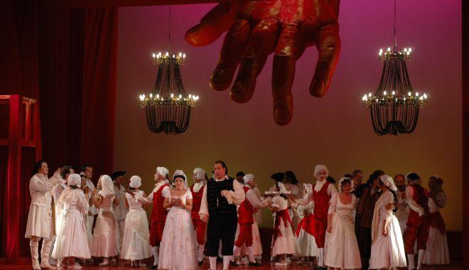 "Foto: ""Don Giovanni"", pe scena Teatrului ""Oleg Danovski"""