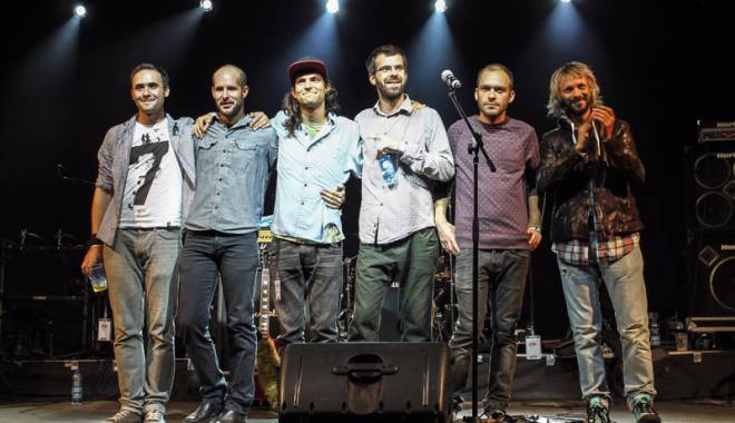 "Foto: Concert live ""Robin and the Backstabbers"""