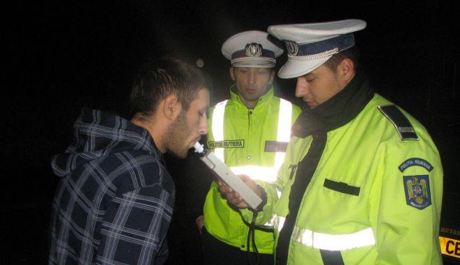 Foto: Dosare penale după ce au fost opriți în trafic de polițiști