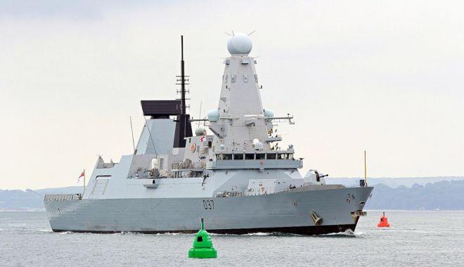 Foto: Două grupări navale NATO, escală la Constanţa