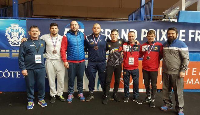 Foto: Două medalii pentru luptătorii constănţeni, la Grand Prix-ul de la Nisa