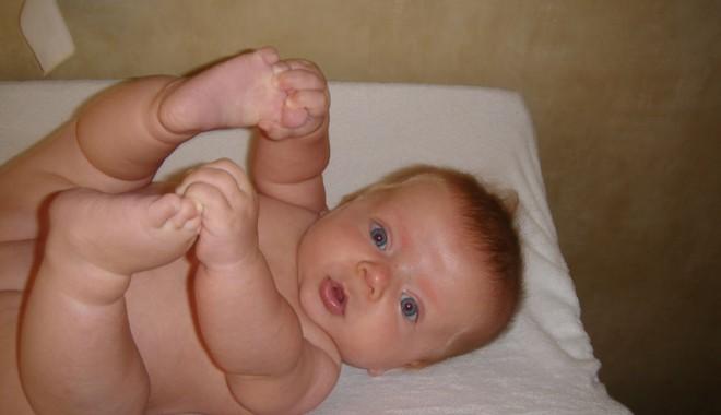 Dragă, schimbă și tu copilul! - dragaschimba-1391086189.jpg