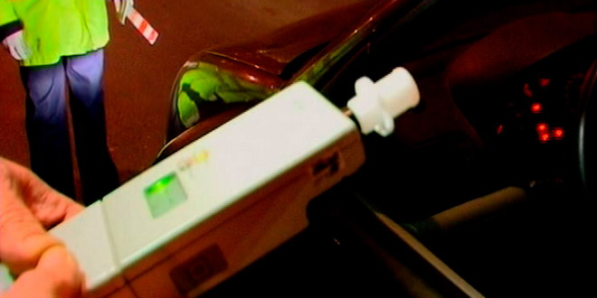 Foto: Şofer băut, prins la ieşire din Lazu