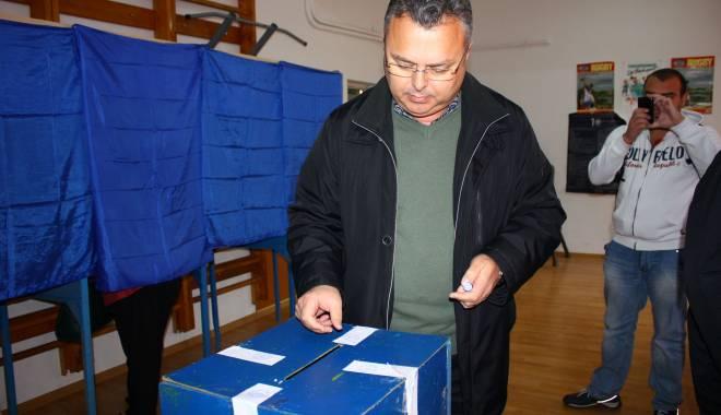 Foto: Liderul PNL Constanţa, Gheorghe Dragomir, şi-a exprimat opţiunea de vot
