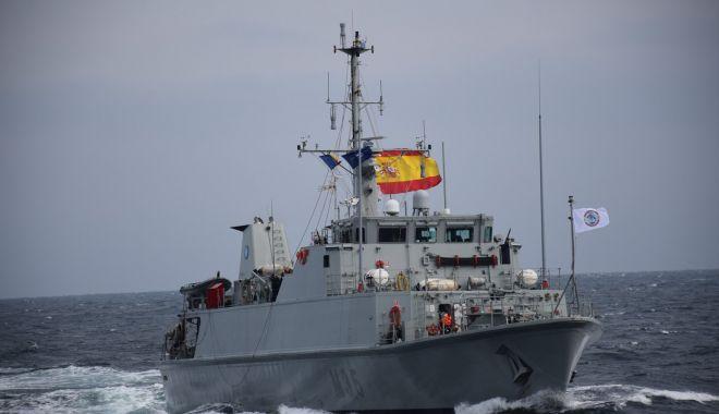 """Dragorul maritim """"Lt. Lupu Dinescu"""", în exercițiu în Portul Burgas - dragorlupu1-1604946940.jpg"""