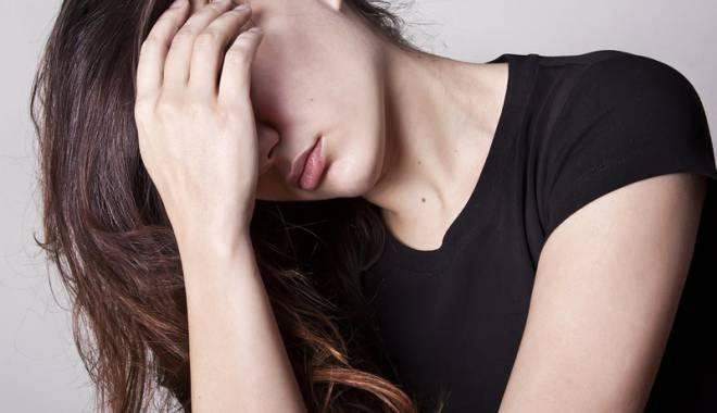 Foto: Drama unei tinere. Violată şi bătută de trei bestii, a fugit de acasă pentru a se sinucide
