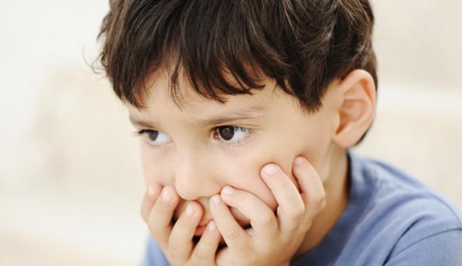 Foto: Drama copiilor cu autism. Nu pot fi integraţi în învăţământul de masă!