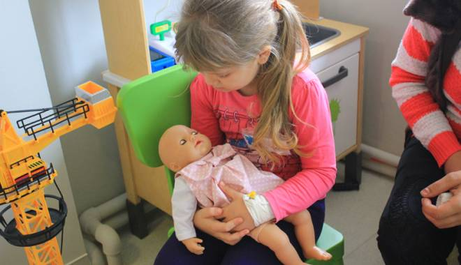 Foto: Drama copiilor bolnavi de cancer: Constanţa are un singur medic specialist!
