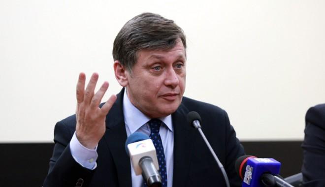 """Foto: """"Dreapta are două opţiuni de prezidenţiabil, eu sau Iohannis"""""""