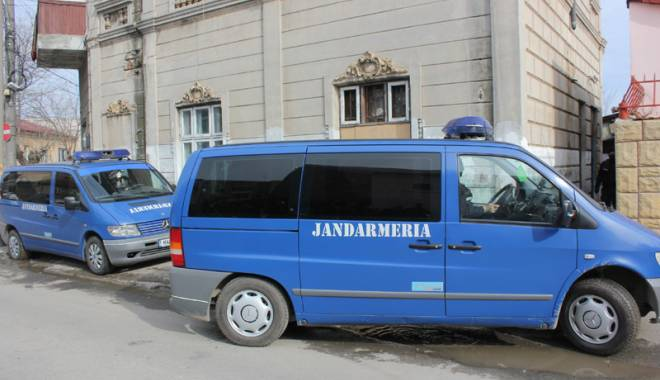 Foto: Tineri din Constanţa, prinşi cu droguri la Gară şi ICIL