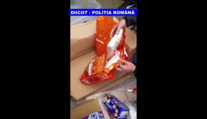Dealeri din cluburi, prinși în flagrant cu droguri în valoare 100.000 de euro - droguri-1572687522.jpg