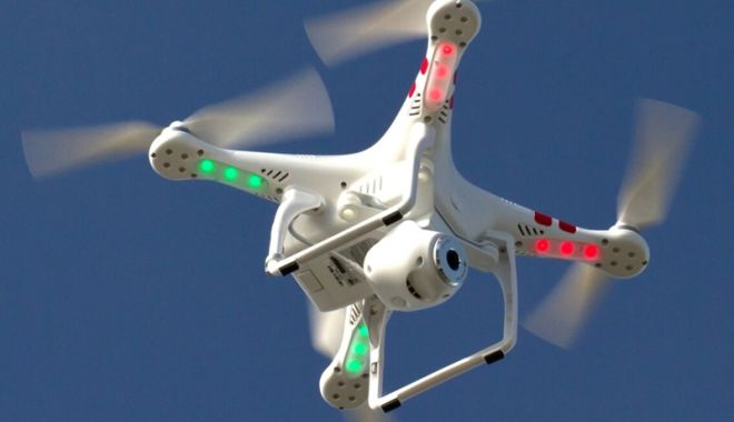 Foto: Europarlamentarii au adoptat reguli comune  de securitate pentru drone