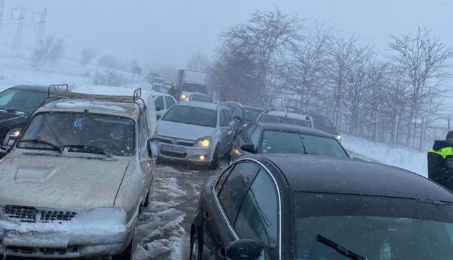 """GALERIE FOTO / Drumarii, apel la şoferi. """"Nu încurcaţi acţiunile de deszăpezire!"""" - drumariiapel2-1611761584.jpg"""
